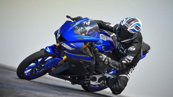 CocMotors-Yamaha–R125-track