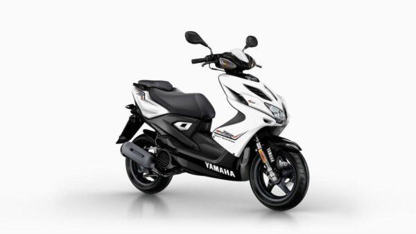 CocMotors-Yamaha-AEROX4WhiteFront