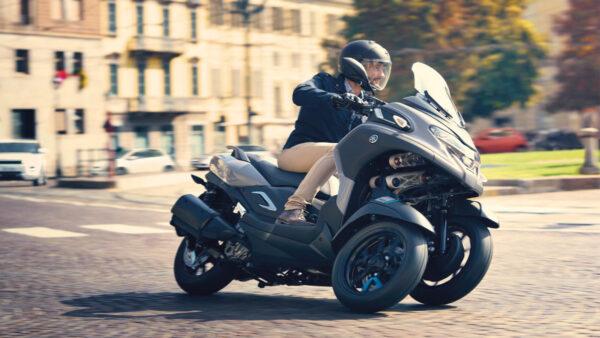 CocMotors – Yamaha Tricity 300 2021 beauty