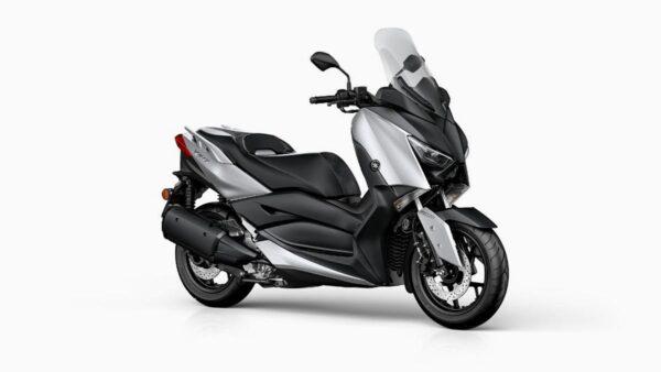 CocMotors-Yamaha-XMAX300BlazingGeyFront
