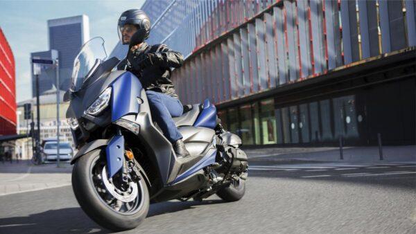 CocMotors-Yamaha-XMAX400Beauty